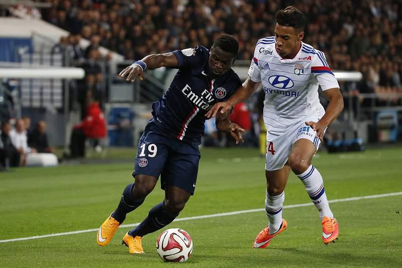 Serge Aurier com a camisola do PSG frente ao Lyon