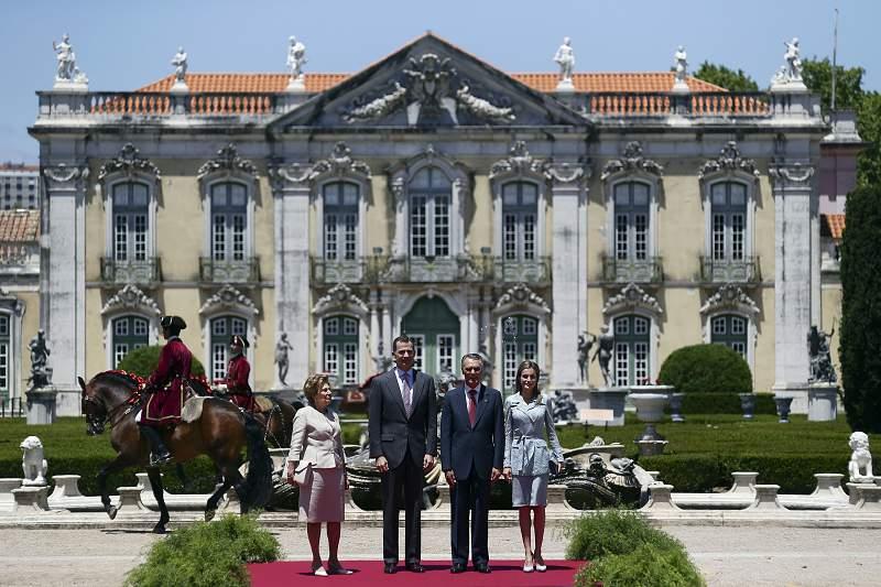 Reis de Espanha visitam Portugal