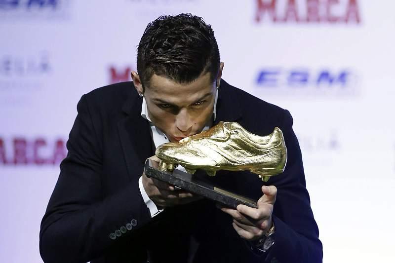 Cristiano Ronaldo com a terceira Bota de Ouro.