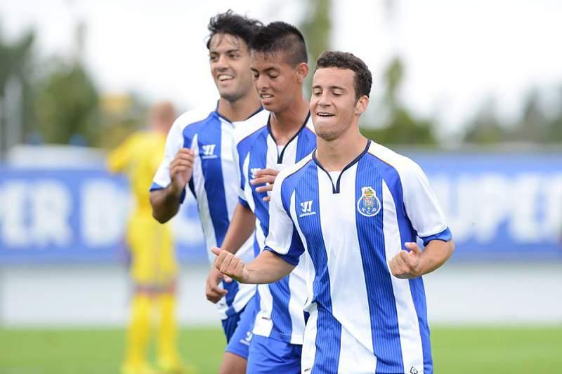 FC Porto vence Benfica 3-0 no Seixal