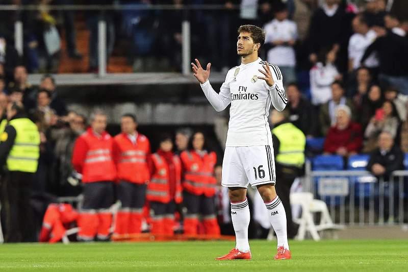 Lucas Silva disputado por FC Porto e Sporting