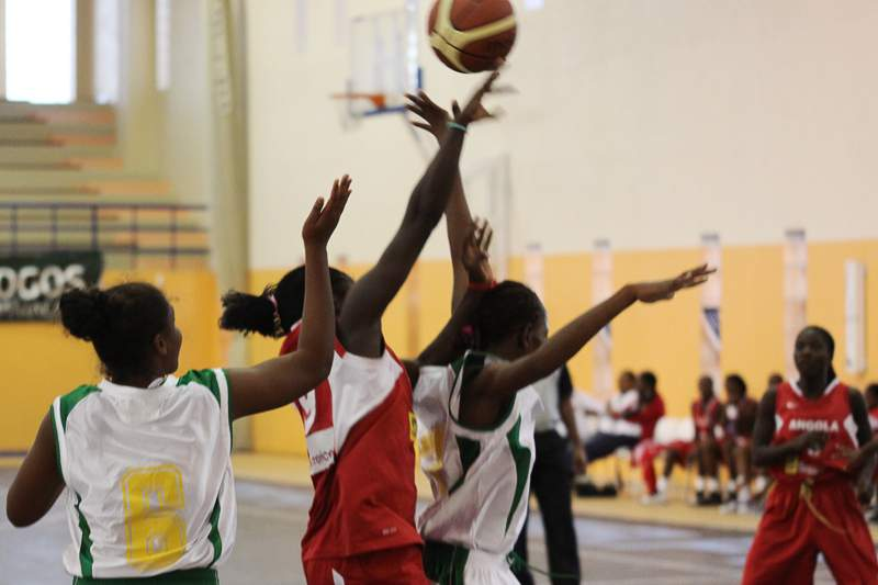 basquetebol-angola-sao-tome-800.jpg