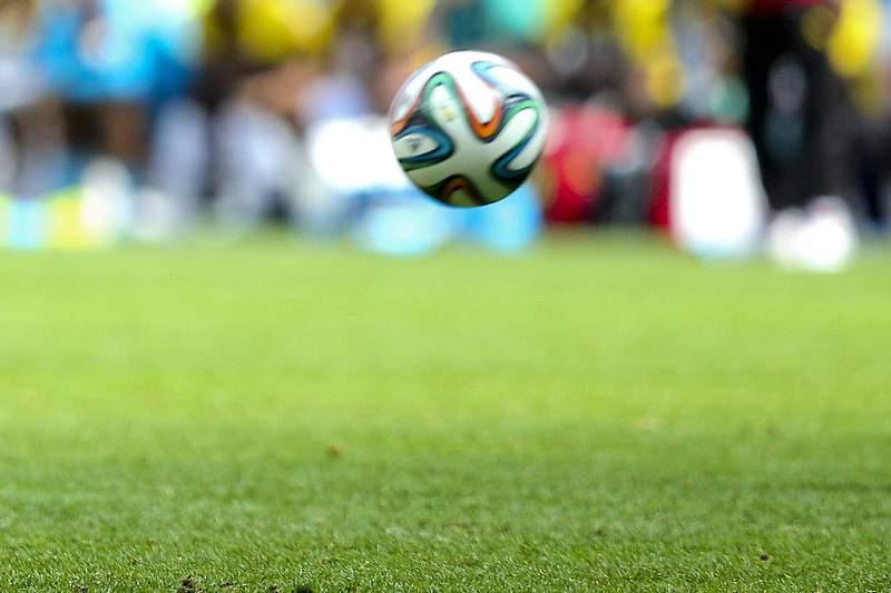 Futebol bola relvado