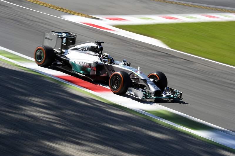 Hamilton na Mercedes
