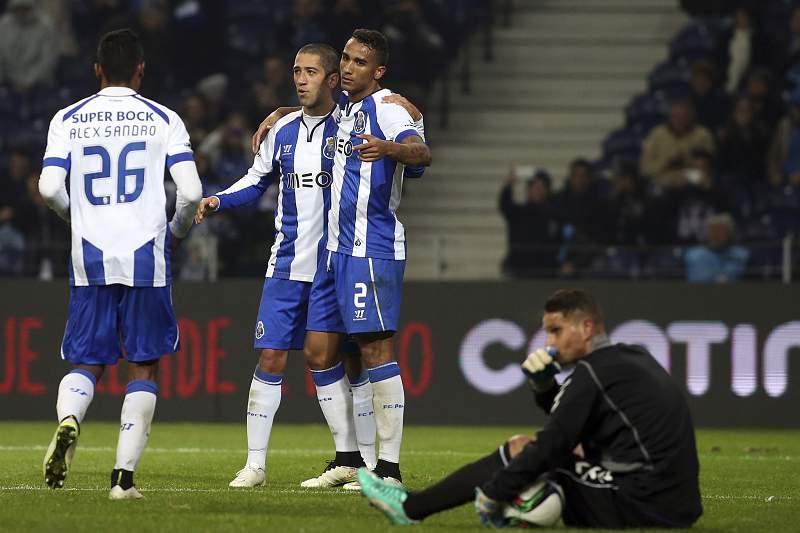 Danilo celebra quarto golo do FC Porto contra o Vitória de Setúbal