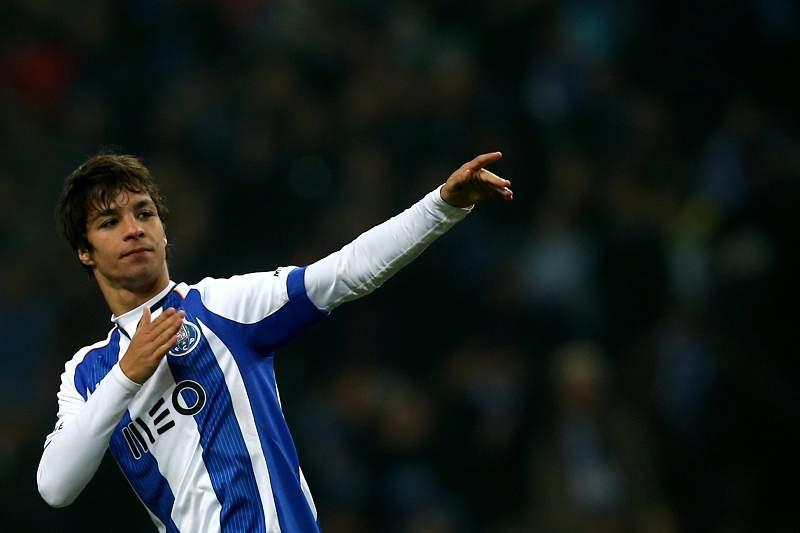 Óliver pode voltar a vestir a camisola do FC Porto.
