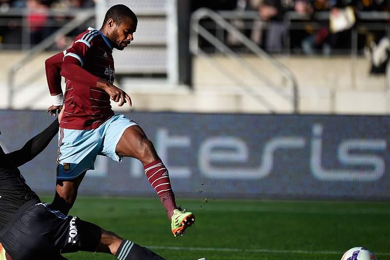 Ricardo Vaz Tê em ação no West Ham