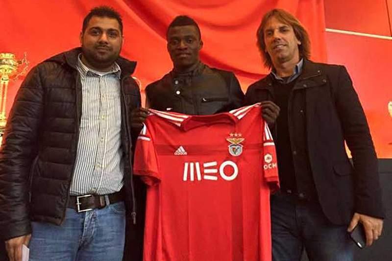 Witi assina pelo Benfica