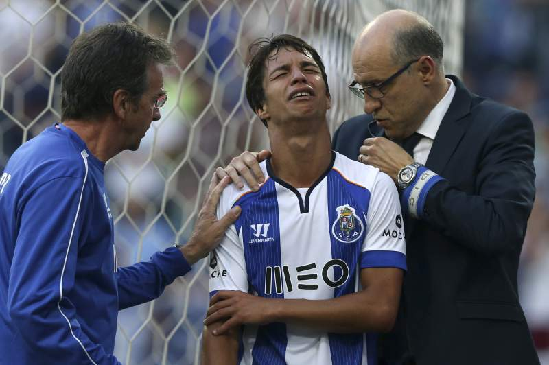 Óliver Torres lesionou-se no final do mês de agosto, contra o Moreirense