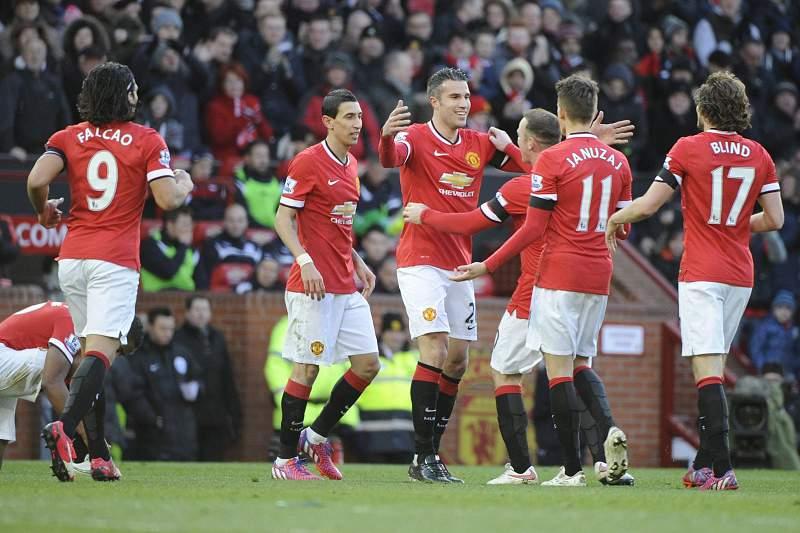 Robin Van Persie celebra golo com os colegas