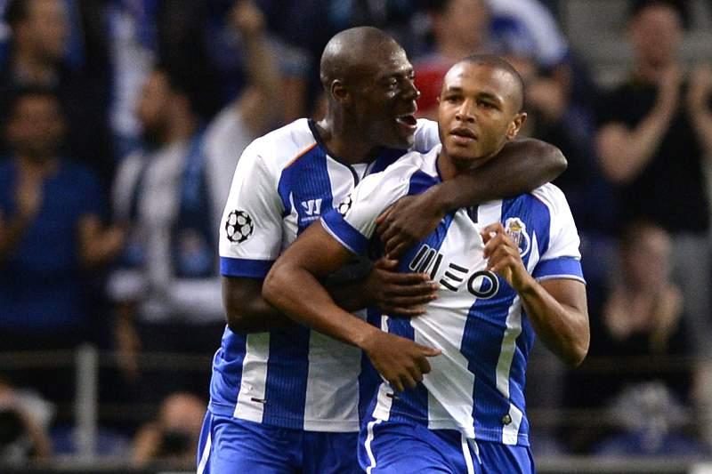 Brahimi e Martins Indi celebram o golo no Dragão