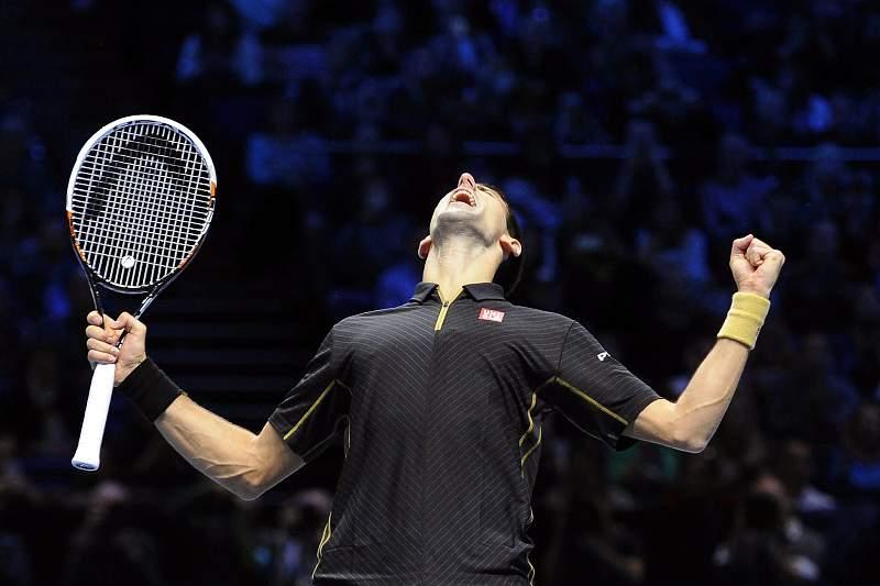 Federer desiste da final do Masters, Djokovic campe