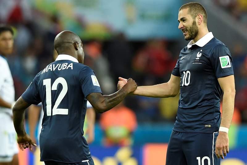 Mavuba e Benzema pela França