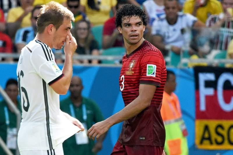 Pepe viu o primeiro cartão vermelho no primeiro jogo