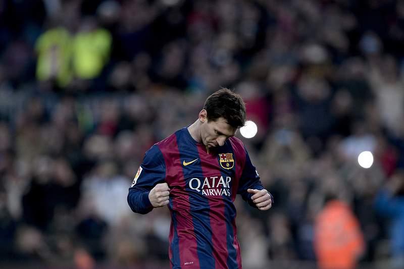 Barcelona vence em Granada e aproxima-se do Real