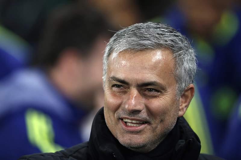 Chelsea vence Derby County (3-1) e segue para as