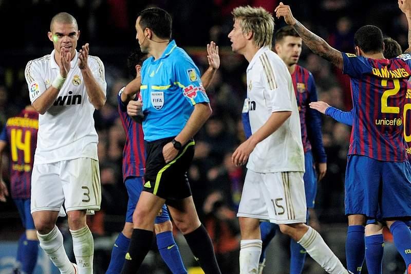 pepe_arbitro_vitienes_barcelona_real_madrid.jpg