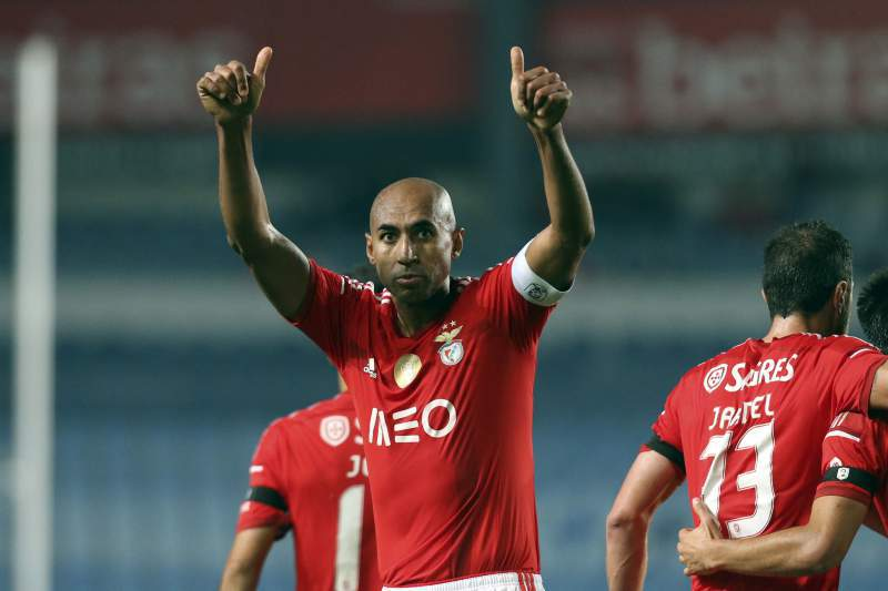 Onze do Benfica com Luis