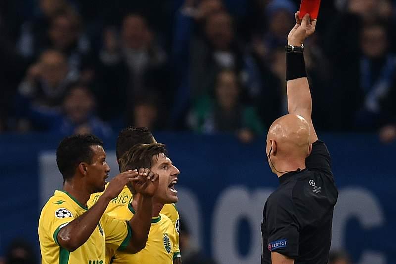 karasev arbitro expulsao mauricio sporting schalke04