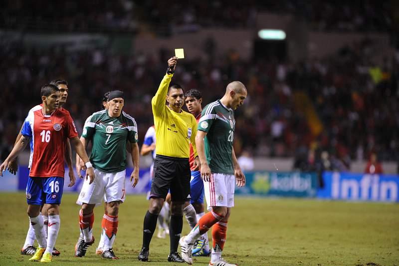 O árbitro Walter Lopez