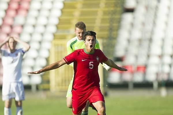 Rafa celebra golo de Portugal Sub-19