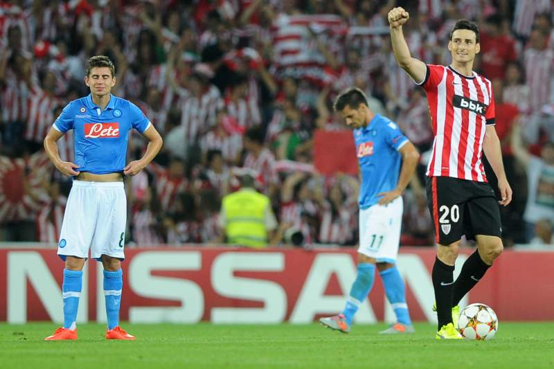 Athletic Bilbao elimina Nápoles da Champions
