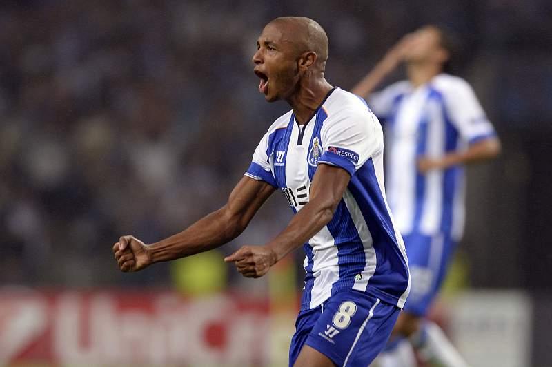 Brahimi marcou o primeiro golo no FC Porto-Lille