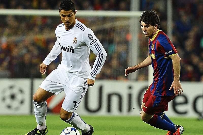 Ronaldo e Messi durante um Real-Barça
