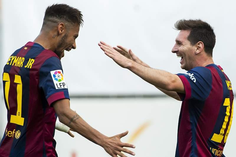 Neymar diz que Messi pensa mais rápido do que todos