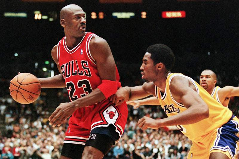 Bryant ficou a nove pontos de Michael Jordan na vit