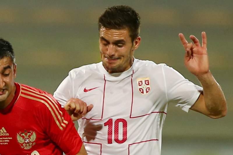 Dusan Tadic assina pelo Southampton