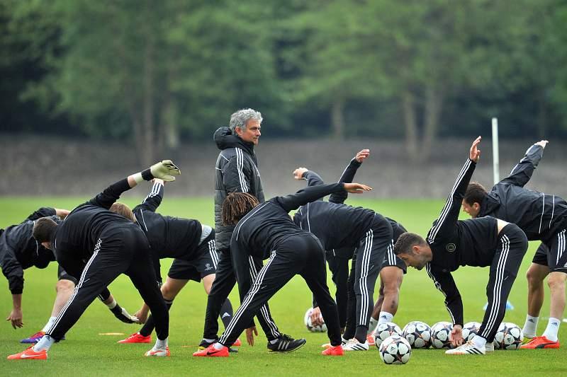 José Mourinho num treino do Chelsea