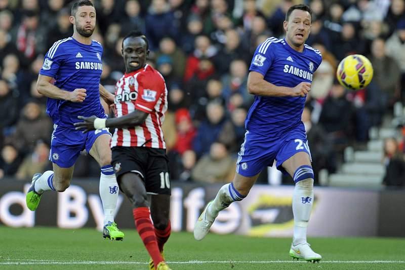 Chelsea travado pelo Southampton