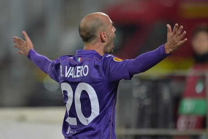 Borja Valero renova com a Fiorentina