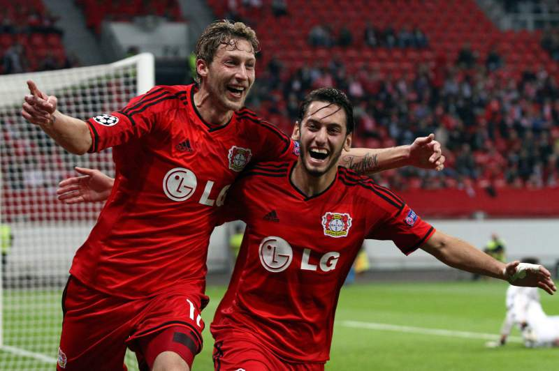 Bayer Leverkusen celebra golo