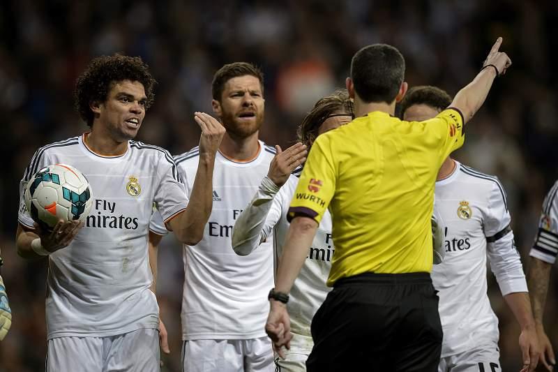 Xabi Alonso e Pepe antecipam regresso ao trabalho