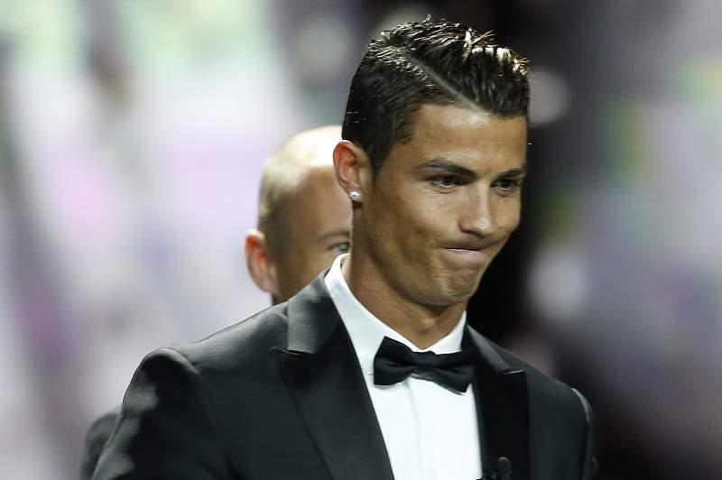 Ronaldo feliz na gala