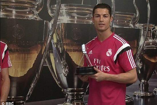 Cristiano Ronaldo ofereceu relógios personalizados a todo o plantel do Real Madrid