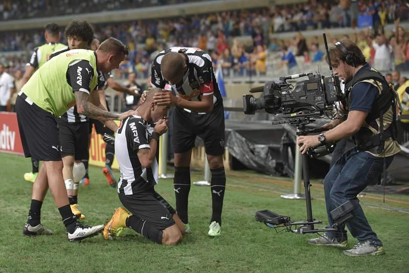 Diego Tardelli marca golo decisivo na Taça do Brasil