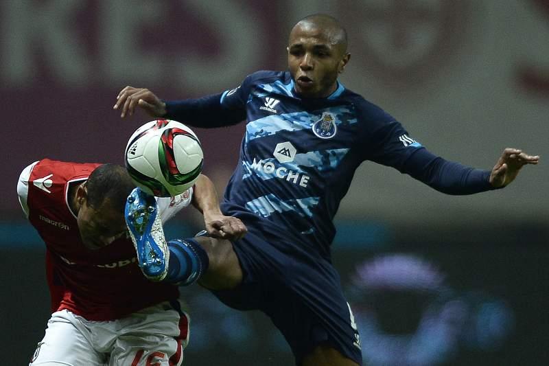 Brahimi em ação no Estádio AXA