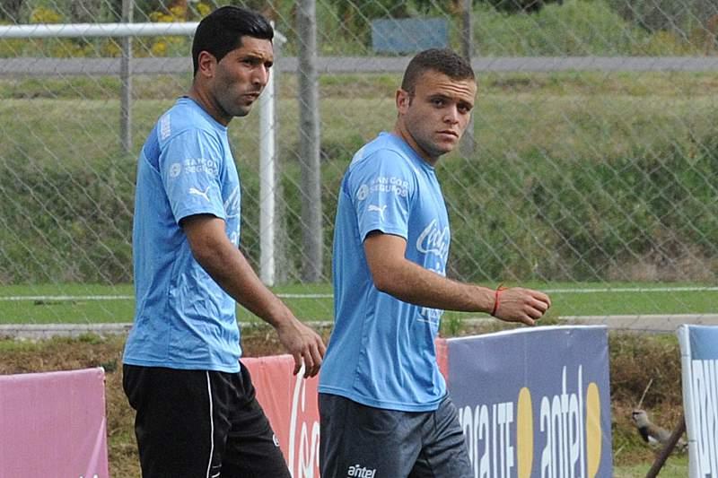 Jonathan Rodríguez (direita)