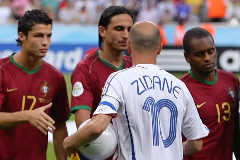 Ronaldo cruzou-se com Zidane em 2006