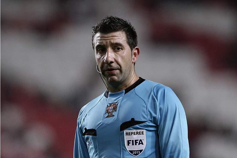 Futebol: Árbitro Hugo Miguel
