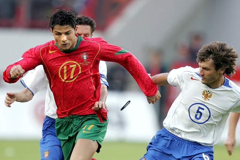 Cristiano Ronaldo defrontou a Rússia em 2004.