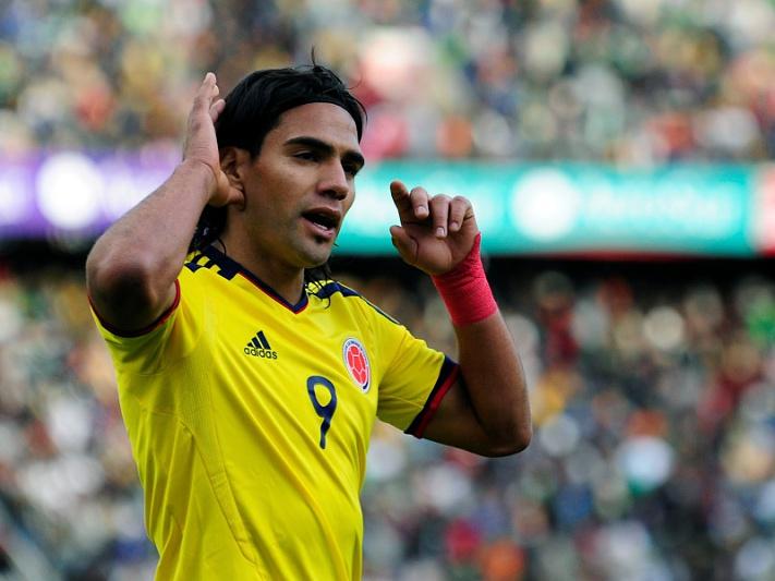 Falcao marca na goleada sobre o Uruguai