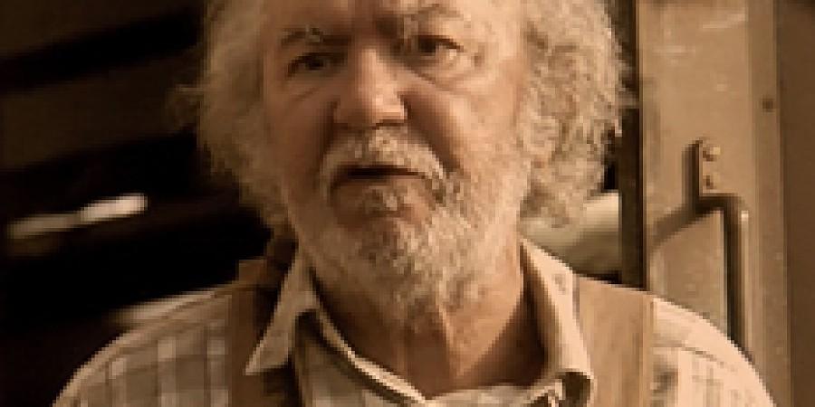 <b>Fernando Taborda</b> (17/07/1934) é um actor português. - ?W=900&H=450&crop=face&tv=1&delay_optim=1&epic=V2%3AJP5yuO%2FBjoqjLAD%2BKqdfEK1HNocBqmQBYqQfzYTuSeHst%2F%2FN6rqfrsgiRxKQxio91qLNDHXwca2xRkpcOinlapmjTFn6VSjFdskRPtO6nhIY60gnZnqP2RAwCv63KvwI