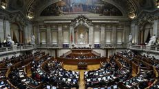 """""""Barrigas de aluguer"""" voltam à discussão no Parlamento. Afinal, o que está em causa?"""