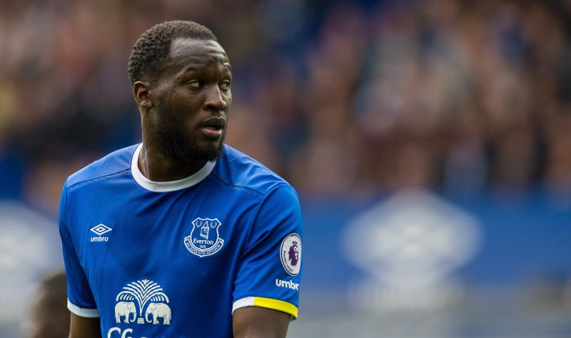 epa05937050 Everton's Romelu Lukaku reacts during the English Premier League soccer match between Everton and Chelsea held at Goodison Park, Liverpool, Britain, 30 April 2017.  EPA/PETER POWELL EDITORIAL USE ONLY. No use with unauthorized audio, video, data, fixture lists, club/league logos or 'live' services. Online in-match use limited to 75 images, no video emulation. No use in betting, games or single club/league/player publications