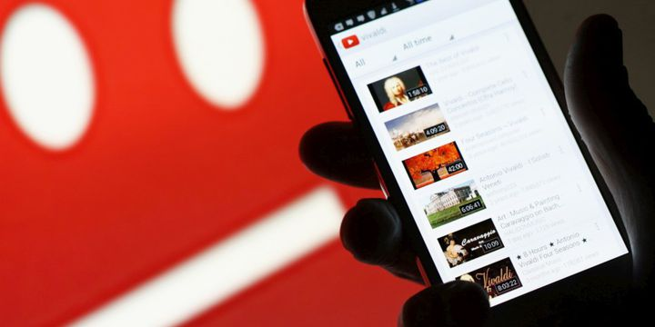 YouTube desafia Facebook e Twitter com 'diretos' a partir do smartphone