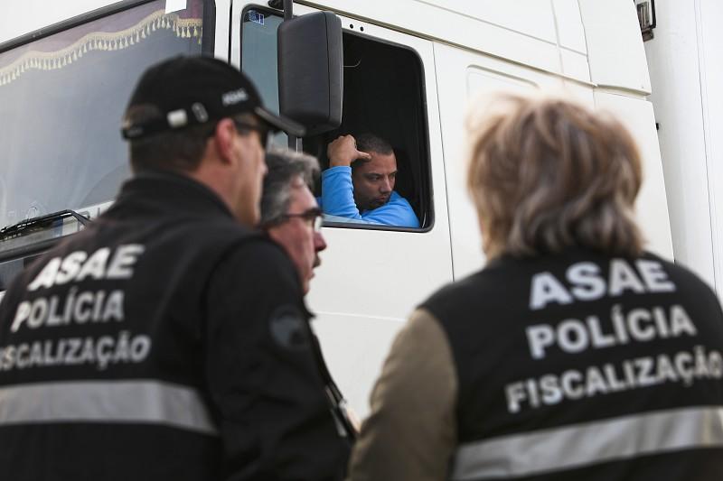 Resultado de imagem para Para Papa (não) ver: ASAE fecha nove estabelecimentos em Fátima